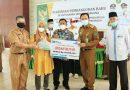 Walikota Ir.H Ridho Yahya M.M Serahkan 30 Unit Kunci Rumah BAZNAS Kepada Warga dan Ratusan Paket Sembako Untuk PHL